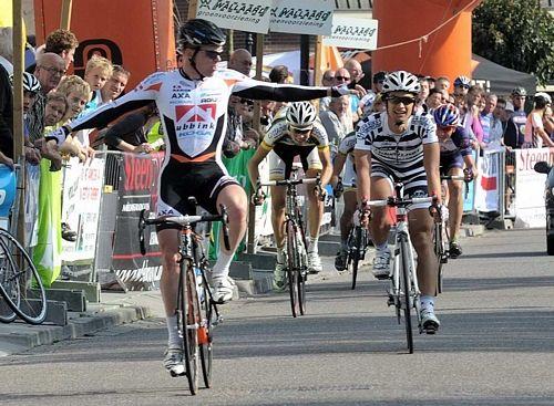 Winnaar Elite / Beloften Wim Stroetinga gaf iedereen het nakijken.