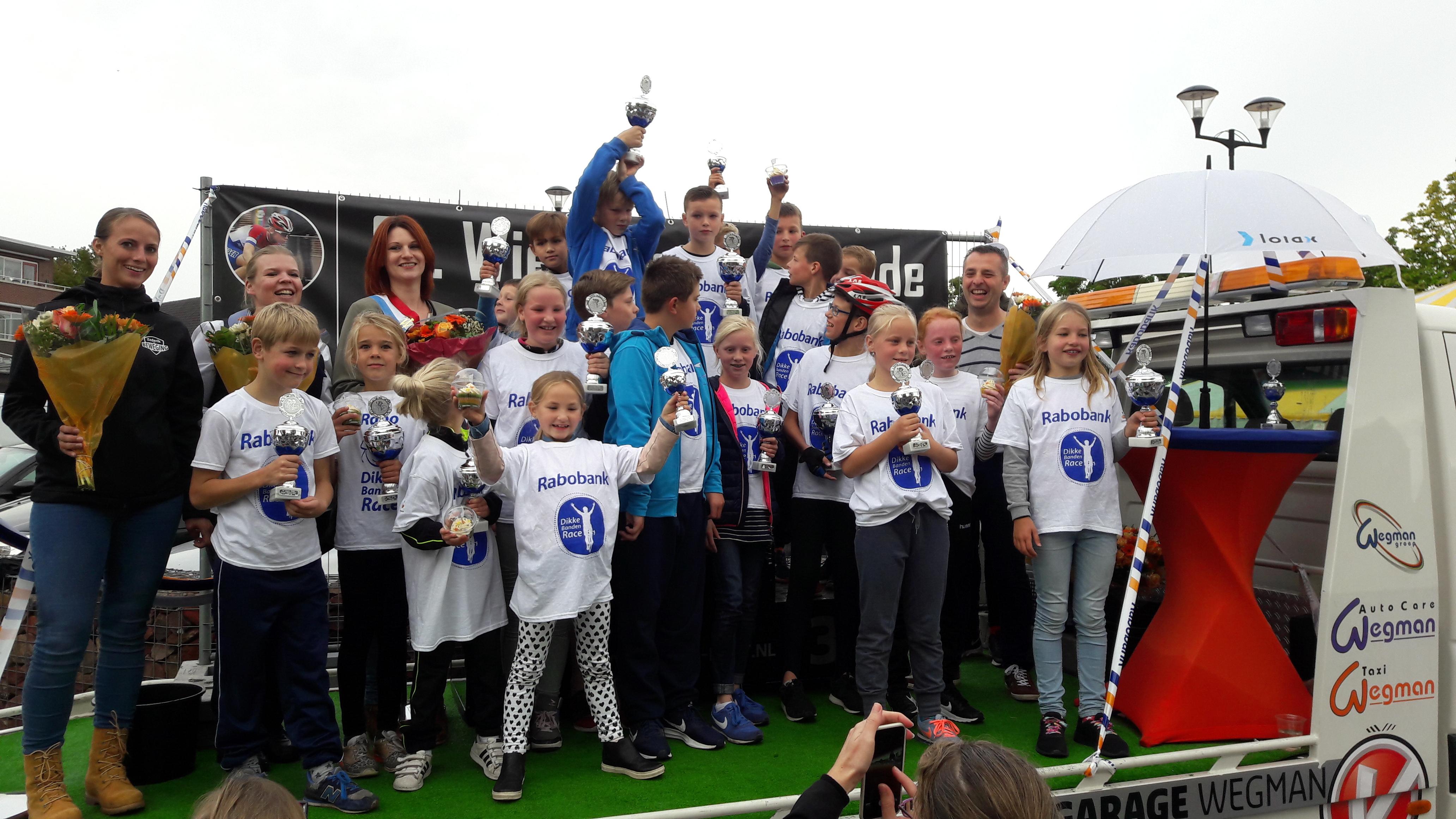 Podiumwinnaars_finale_Rabobank_Dikke_Banden_Race_Zederik_2017